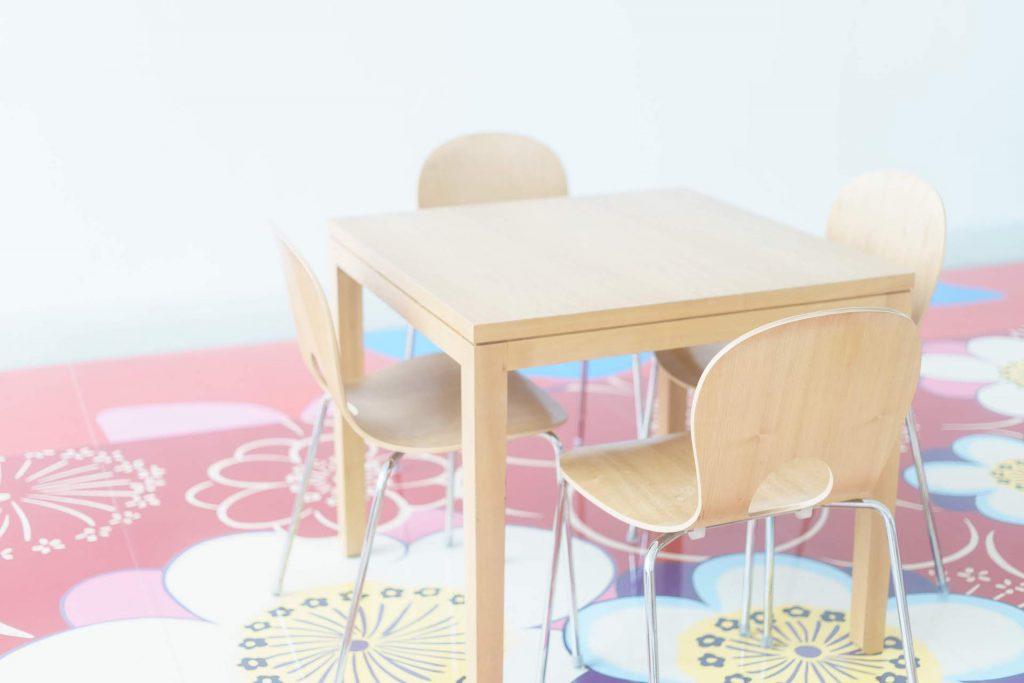 現代美術館椅子